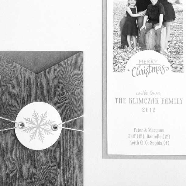 Cherish-Paperie-HolidayFamily-Card